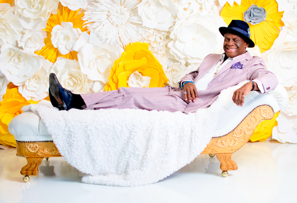 Learning to Laugh at the Hard Stuff, with Guest Michael Colyar and Musical Guest Ruti Celli on The LIFE CHANGES Show #532